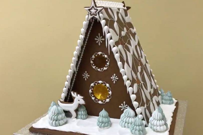 The Queen's chefs just shared a recipe for making the perfect gingerbread house