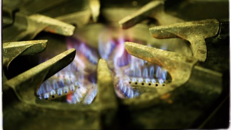 Kids' asthma risk from cooking with gas 'like living with a smoker'